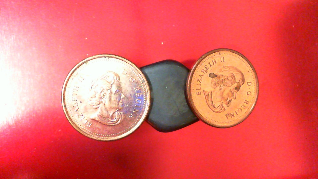 2006 Canada pennies, magnetic, with no logo and no P - rare (QTY of 2)